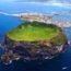 جزيرة في كوريا الجنوبية تتحول الى مزار سياحي لسبب غريب