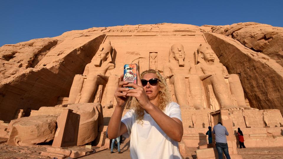 مصر تطلق حملة عالمية لجذب السائحين