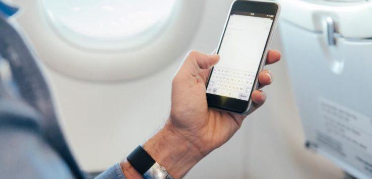 هل تؤثر الاتصالات الهاتفية على الطائرة عند الاقلاع أو الهبوط ؟