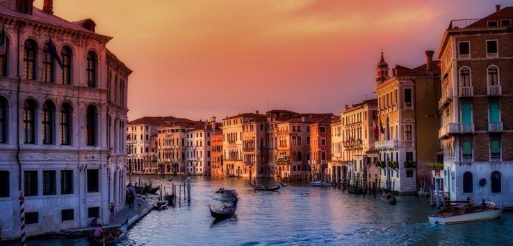 تعرف على الرسوم السياحية الجديدة لمدينة فينيسا الايطالية