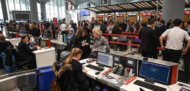 شركة بريطانية تختبر (وزن) المسافرين قبل الصعود للطائرة