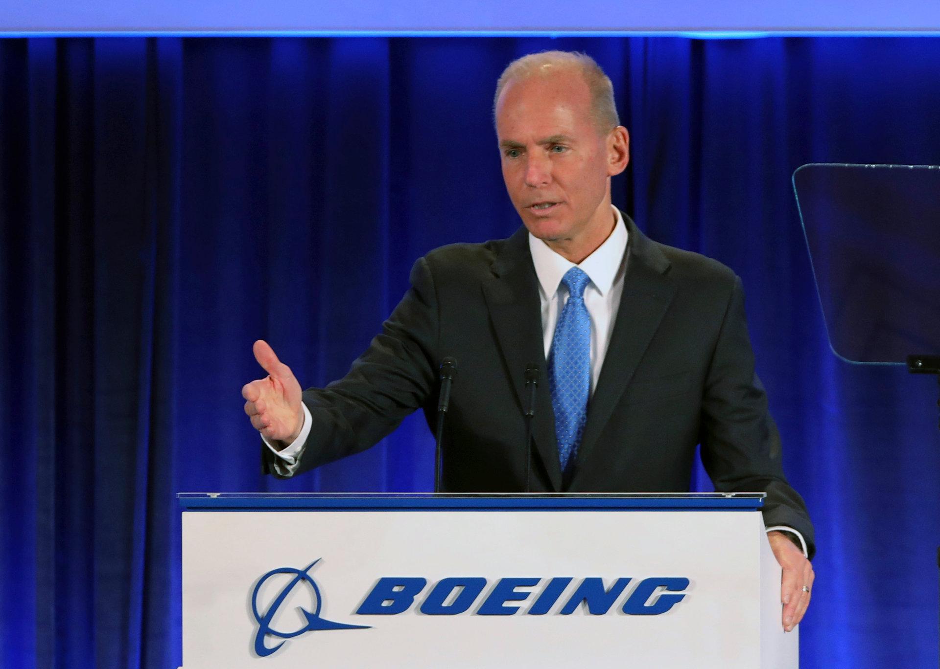 رئيس بوينج التنفيذي : سأكون على متن اول رحلة للطائرة 737 عند عودتها للعمل
